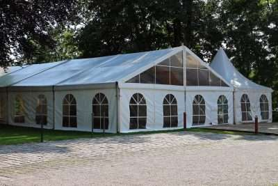 factors to consider when choosing a tent