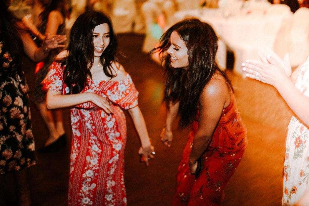 find songs women love dancing to